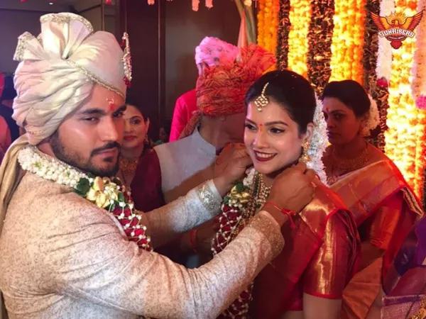 Manish Pandey starts new innings, ties the knot with actress Ashrita Shetty, Mumbai, News, Sports, Cricket, Cinema, Actress, Marriage, National