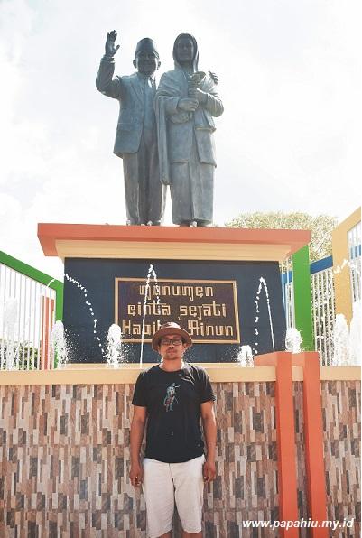 monumen bj habibie dan ainun