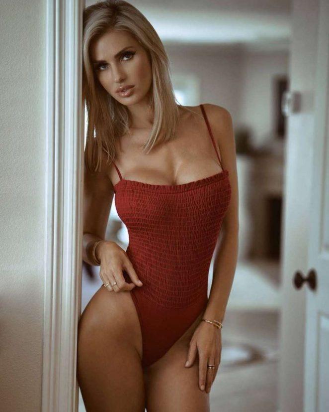 leanna bartlett sexy bikini pics 05