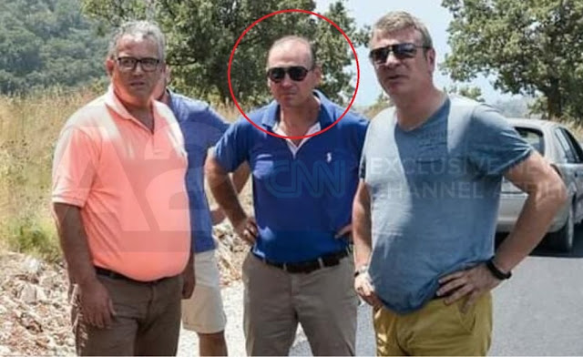 The victim, Niko Goro, in a photo with the mayor of Himara (on his left), Jorgo Goro, and the socialist MP, Damian Gjiknuri