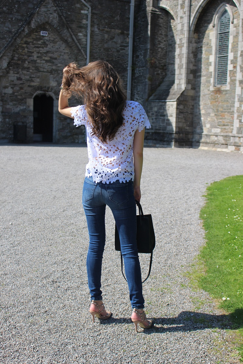 brunette, long hair, wavy hair, crochet, skinnies, heels,