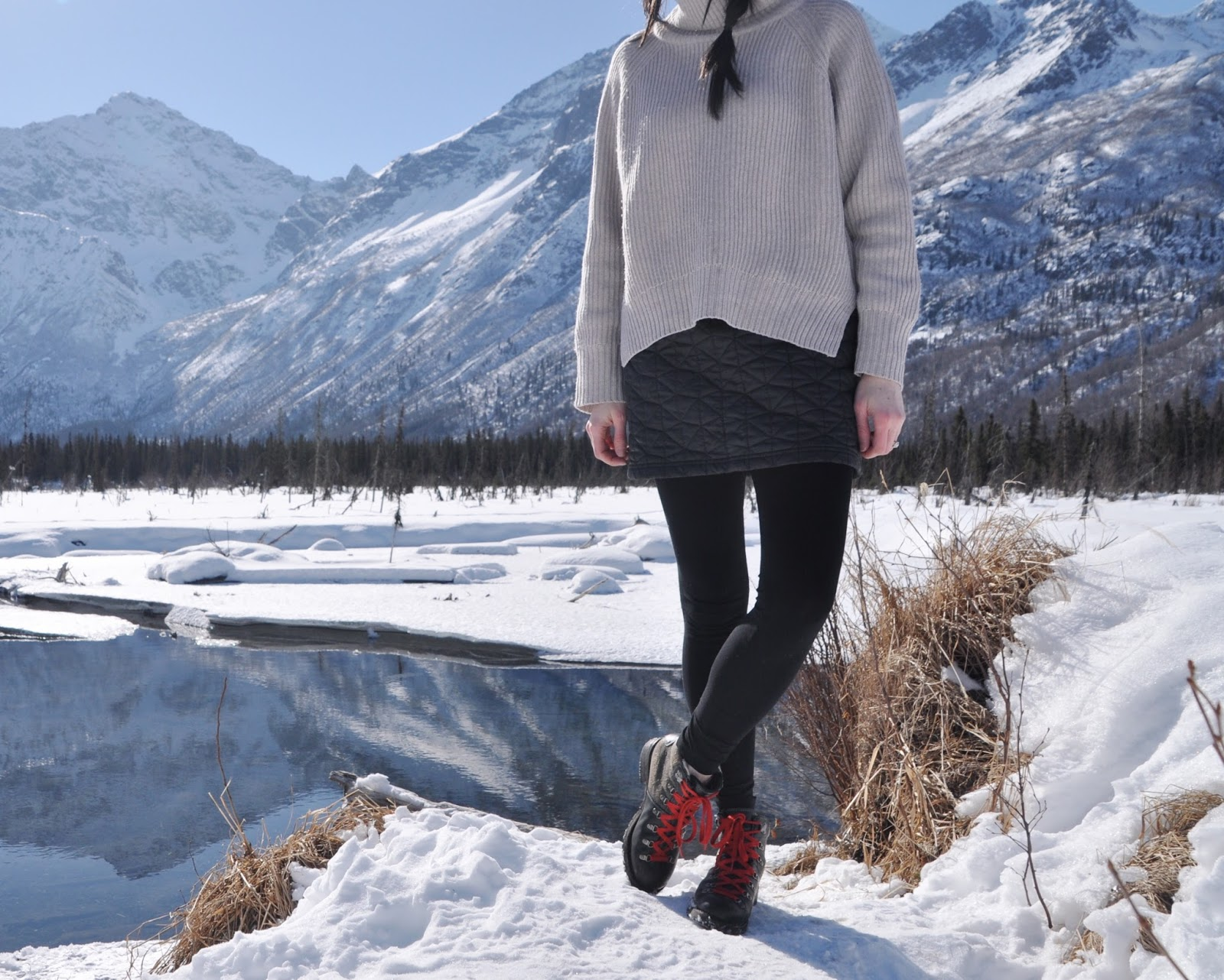 alaska mountain hiking outfit inspiration cold spring