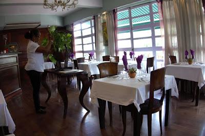 Intérieur du restaurant Le Joséphine à l'hôtel l'Impératrice à Fort de France.
