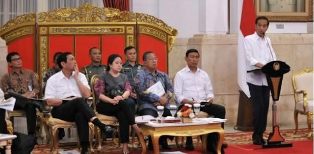Tak Ada Yang Istimewa, Jokowi Harus Rombak Menteri Pos Ekonomi
