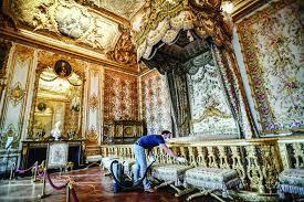 """فرنسا .. قصر """"فرساي"""" يفتتح أبوابه أمام الزائرين"""