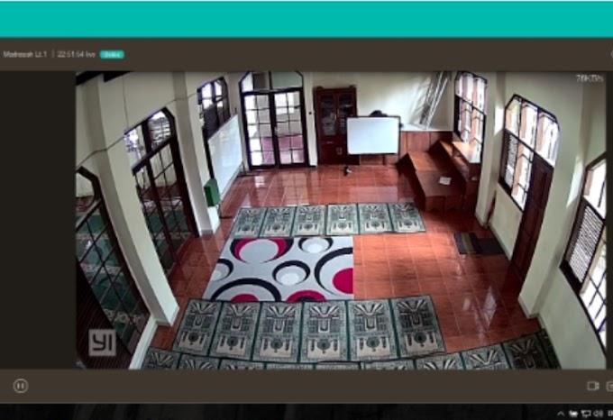 Terekam CCTV, Aksi Pelaku Ambil HP Korban Di Musalla SPBU