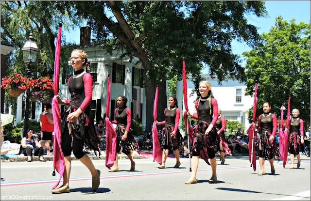 Minnesota Bandas Música Desfile 4 de Julio en Bristol