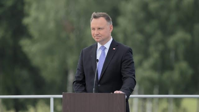 Védőkesztyűt, maszkot kapnak majd a lengyel elnök beiktatására érkező képviselők