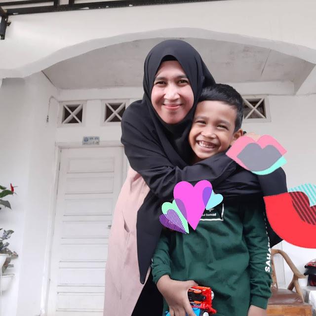 Istri ustadz Abdul Somad Mellya Juniarti