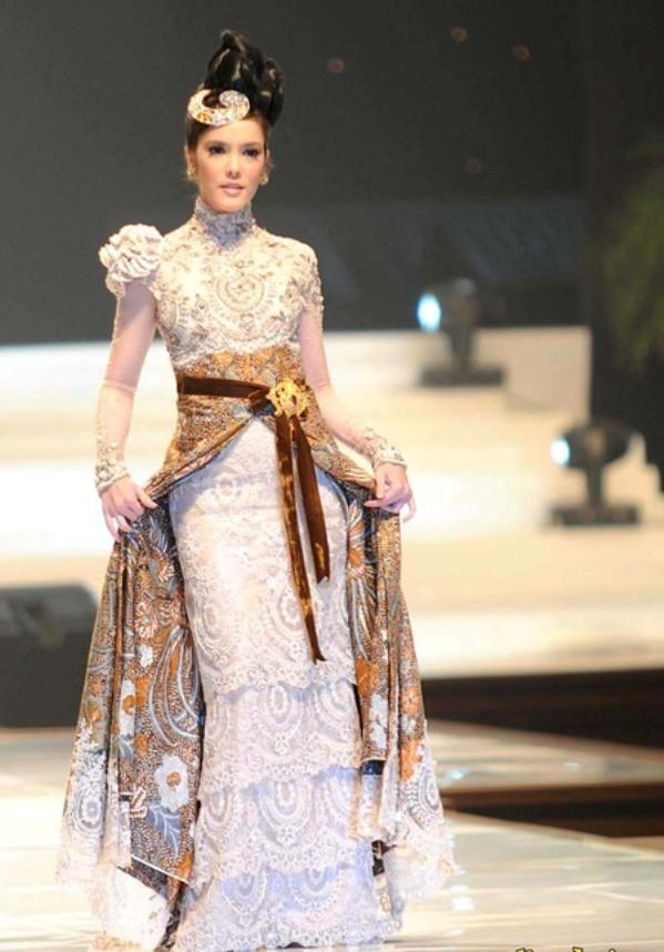 Model Baju Kebaya Anne Avantie Glamour Dan Modis Kumpulan Model