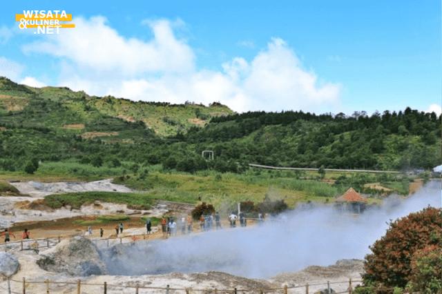 Kawah Sikidang - 10 Tempat Wisata di Dieng Paling Terkenal