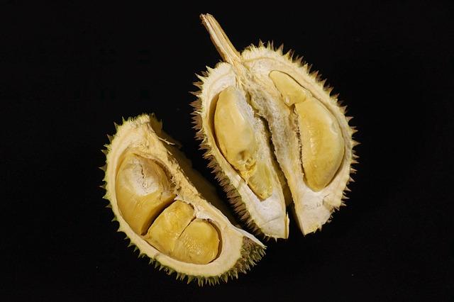 Cara Mudah & Aman Membuka Durian, Kamu Pasti Bisa!