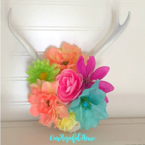 DIY boho flower antler decor