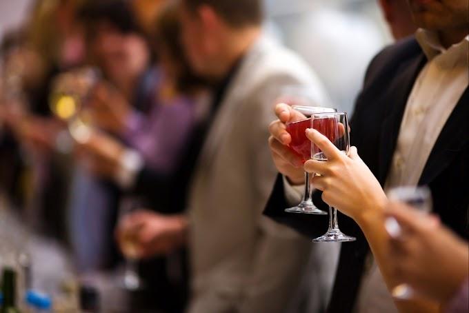 Nueva York elimina prohibición de vender alcohol los domingos impuesta en 1934