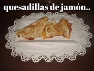 http://www.carminasardinaysucocina.com/2018/06/quesadilla-de-jamon-queso-y-pico-de.html