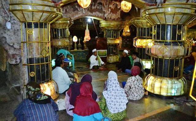 Subhanallah! Pondok Pesantren ini ada di Perut Bumi, Sang Kyai Istikharah 15 Tahun