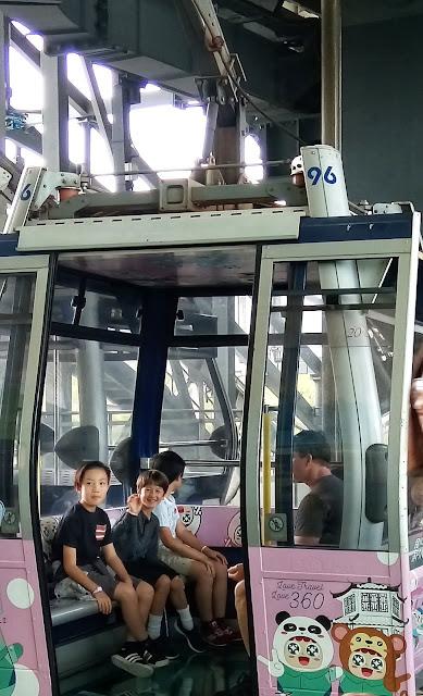 Ngong Ping 360 crystal cable car lantau island
