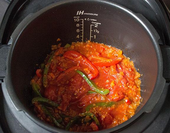 Multi-cooker pasta sauce