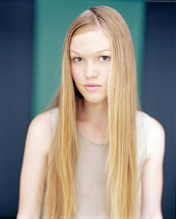 ACTRESS LATEST PHOTO VIDEO SHOW: Julia Stiles Photos