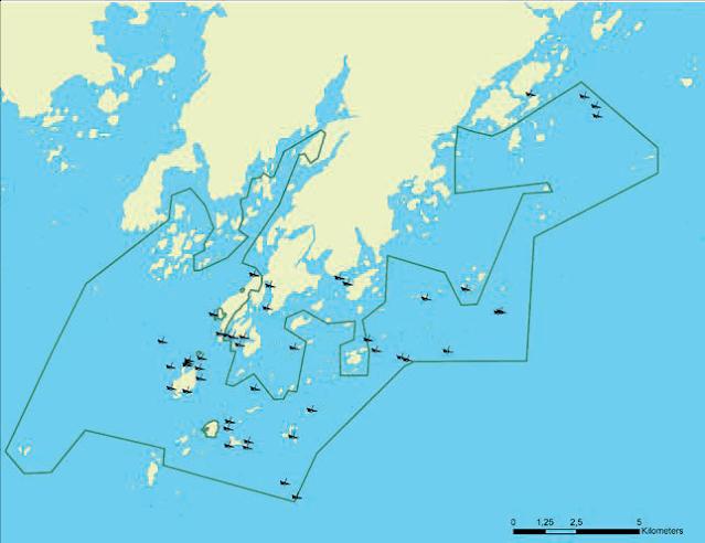Karttakuva Porkkalan alueesta, johon on merkitty hylkysymboleilla Kirkkonummen saaristo -nimisen Natura-alueen hylkyjä.
