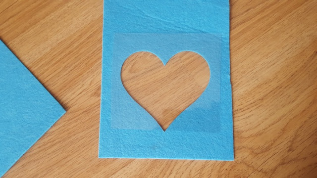 DYI heart see-through Valentine's gift pouch