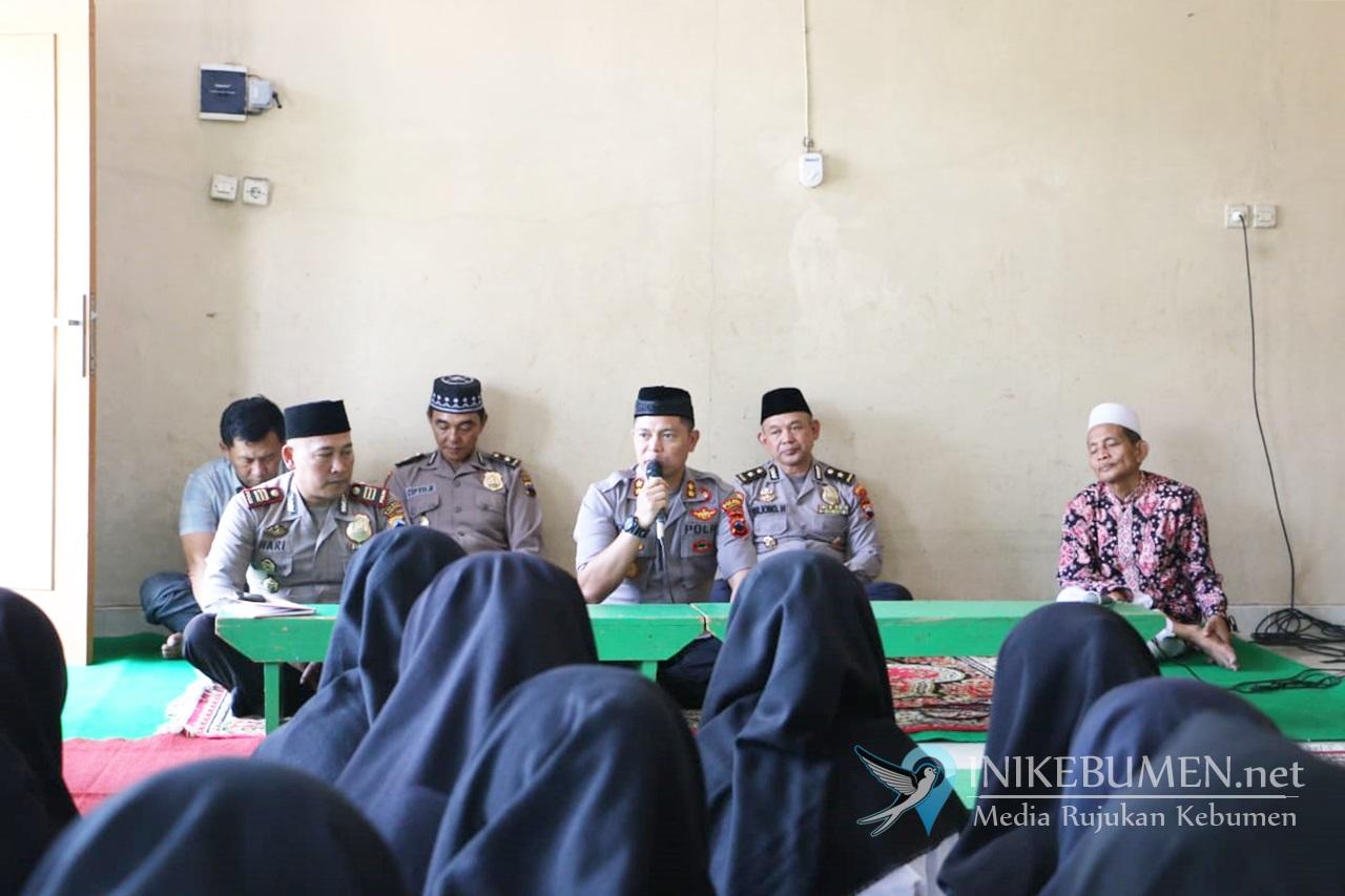Kapolres Kebumen Dorong Santriwati yang Hafal Alquran Daftar jadi Polwan