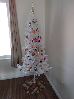 White Christmas Tree with Tree skirt