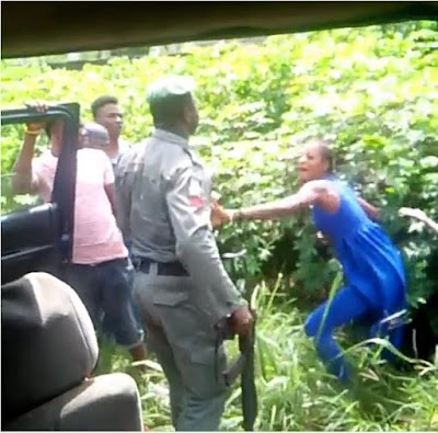 Policeman Beats Up Lady For Refusing To Allow Him Search Her