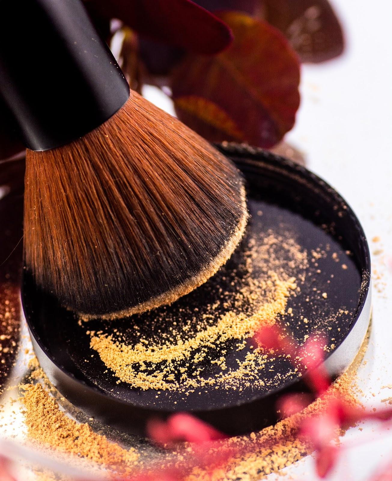 Minerały bez tajemnic. Dlaczego warto stosować kosmetyki mineralne?