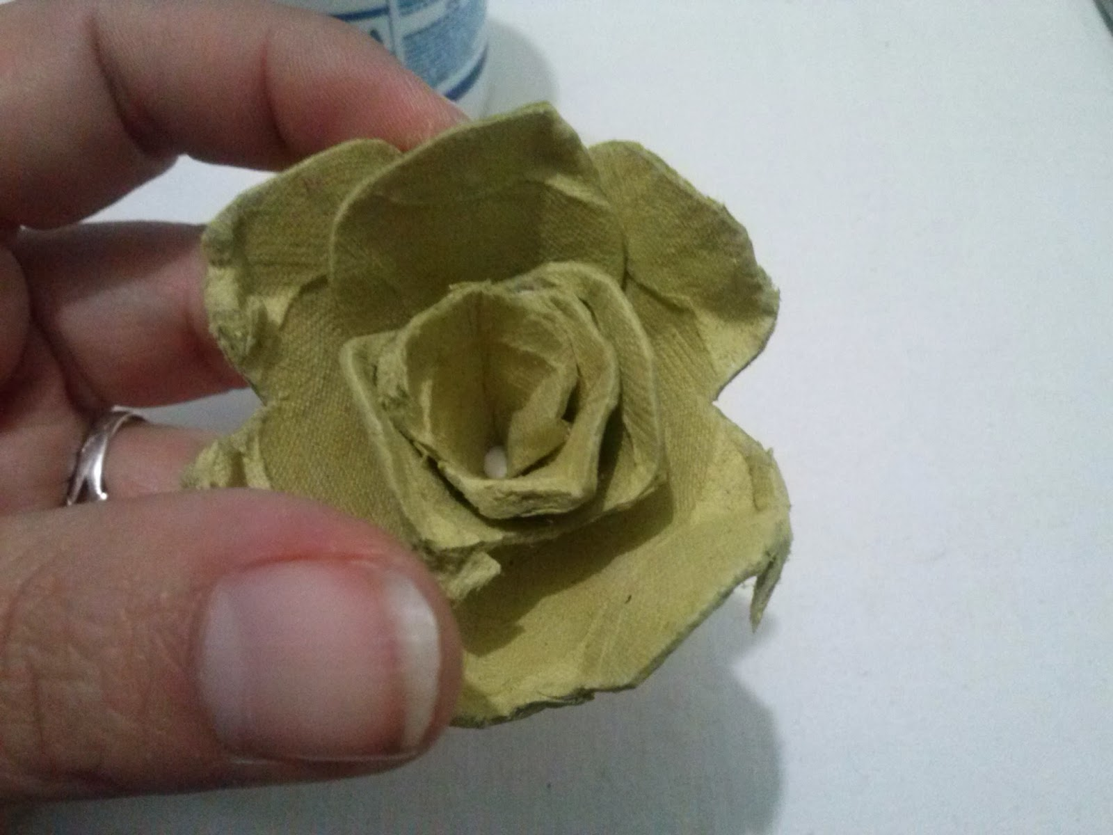 Flores de carton de huevo