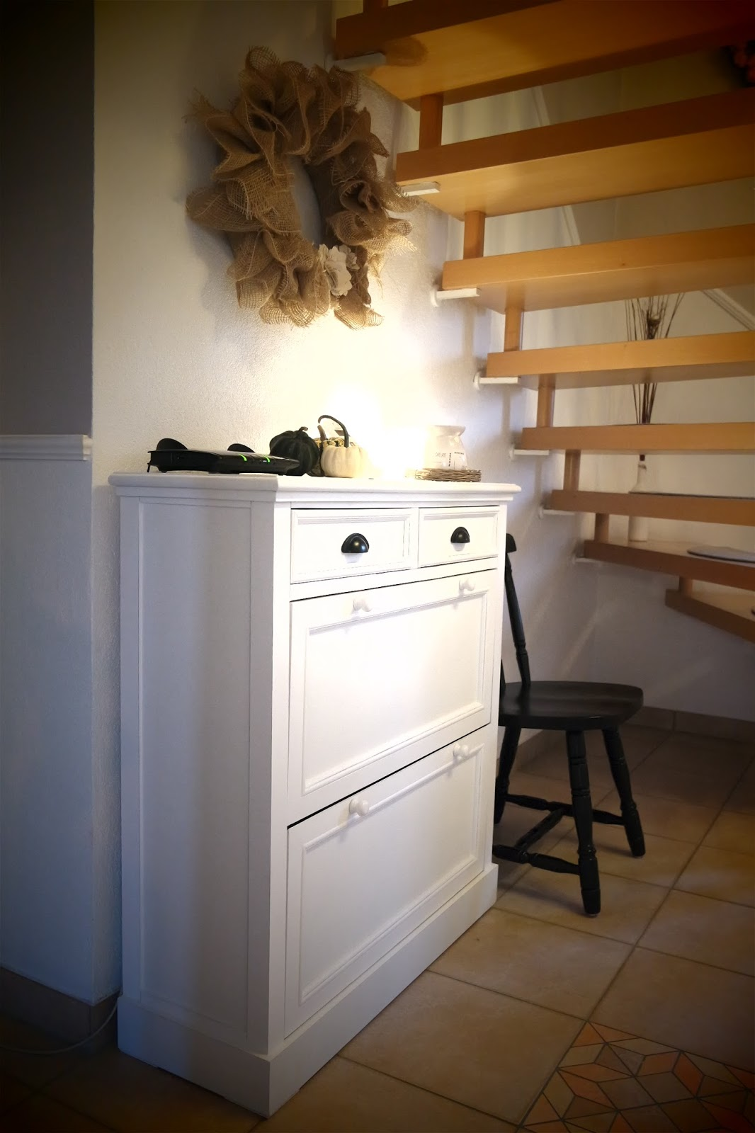 kleines gelbes haus newport schuhschrank. Black Bedroom Furniture Sets. Home Design Ideas