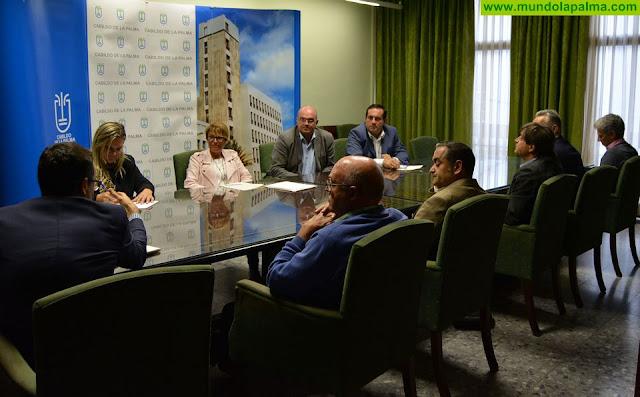 La Delegación del Gobierno de España en Canarias y el Cabildo de La Palma mantienen su compromiso de velar por los intereses del sector primario