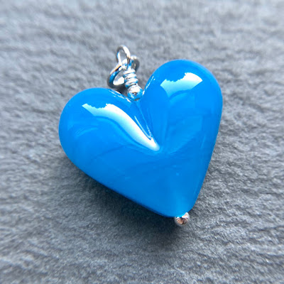 Handmade lampwork glass heart bead pendant by Laura Sparling made with CiM Daydream