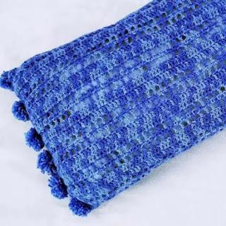 Almohadón Pompones a Crochet