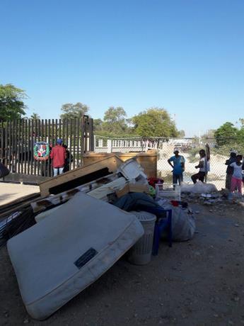 Haitianos huyen atemorizados de Pedernales