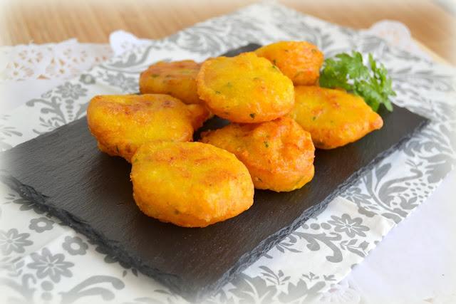 Buñuelos o tortillitas de bacalao caseras