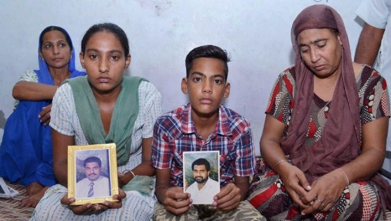 Keluarga Gurdip Singh, salah satu terpidana yang lolos eksekusi mati