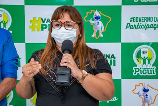 Em Picuí, 120 profissionais de saúde já receberam as primeiras doses da vacina contra o coronavírus