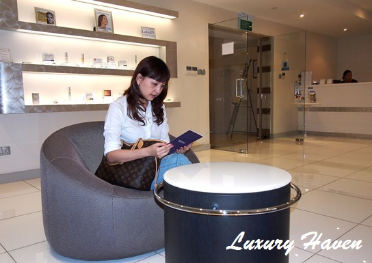 epw laser medical aesthetics clinic reception area