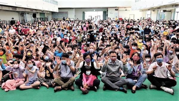 彰化囝仔好幸福兒童劇巡演 萍蓬草兒童劇團到埔心國中演出