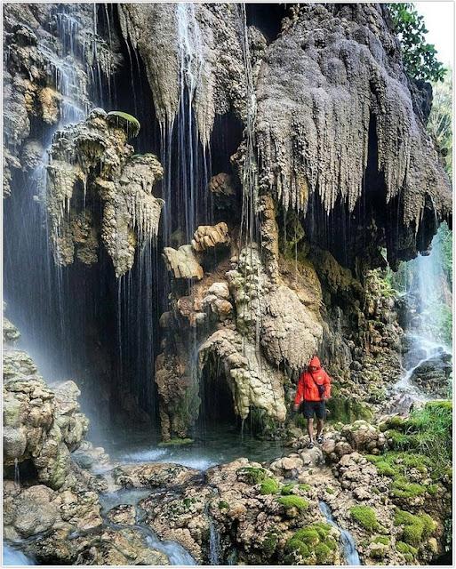 Gua Tetes;Air Terjun Tumpak Sewu Goa Tetes;10 Top Destinasi Wisata Lumajang