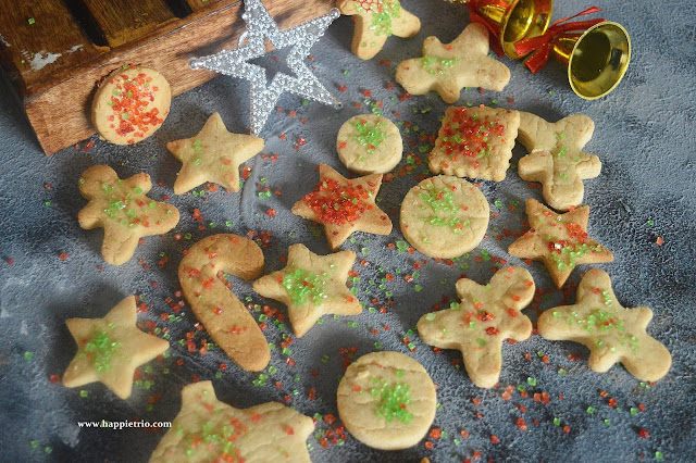 Christmas Sugar Cookies Recipe | Eggless Christmas Sugar Cookies