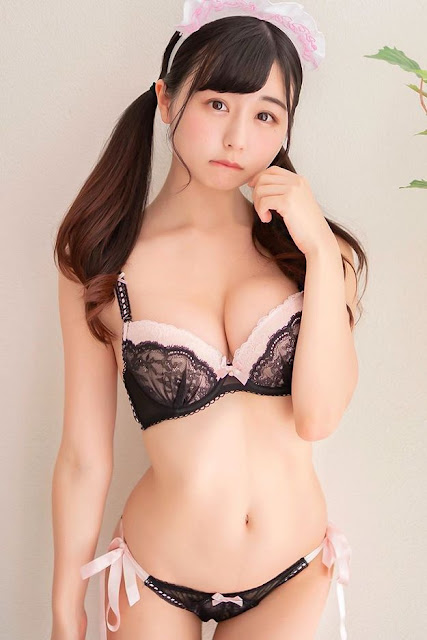 Hot and sexy big boobs photos of beautiful busty asian hottie chick Japanese model Kurita Emi photo highlights on Pinays Finest sexy nude photo collection site.