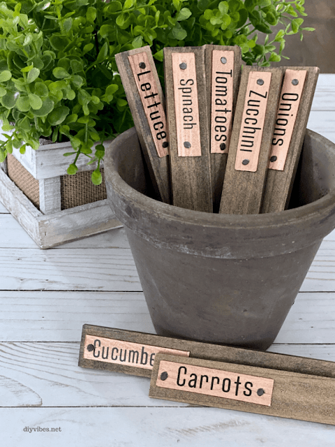 How to make your own farmhouse style wooden garden markers.