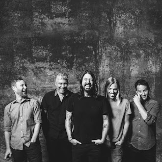 Na Minha Playlist #157: Foo Fighters - Walking After You
