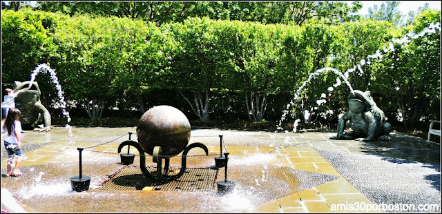 Dallas Arboretum & Botanical Garden: Toad Corners Fountain