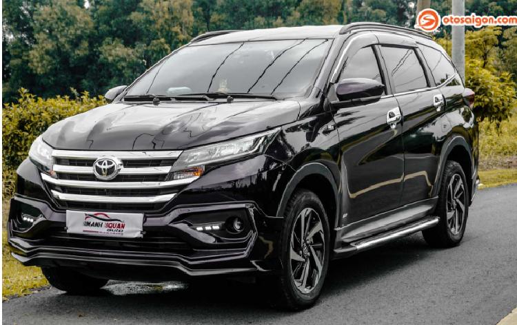 Dân chơi Sài Gòn chi hơn 150 triệu độ Toyota Rush