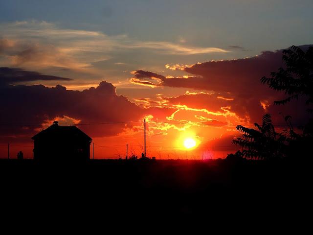 Zachodzące nad Sanżiejką słońce