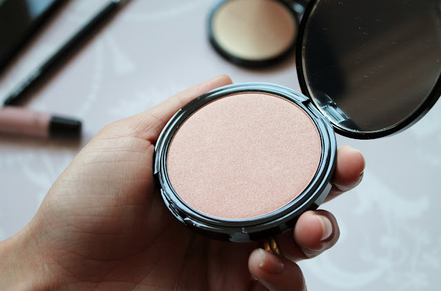 Beauty Pie Moonlighting Balm Radiance Powder Review