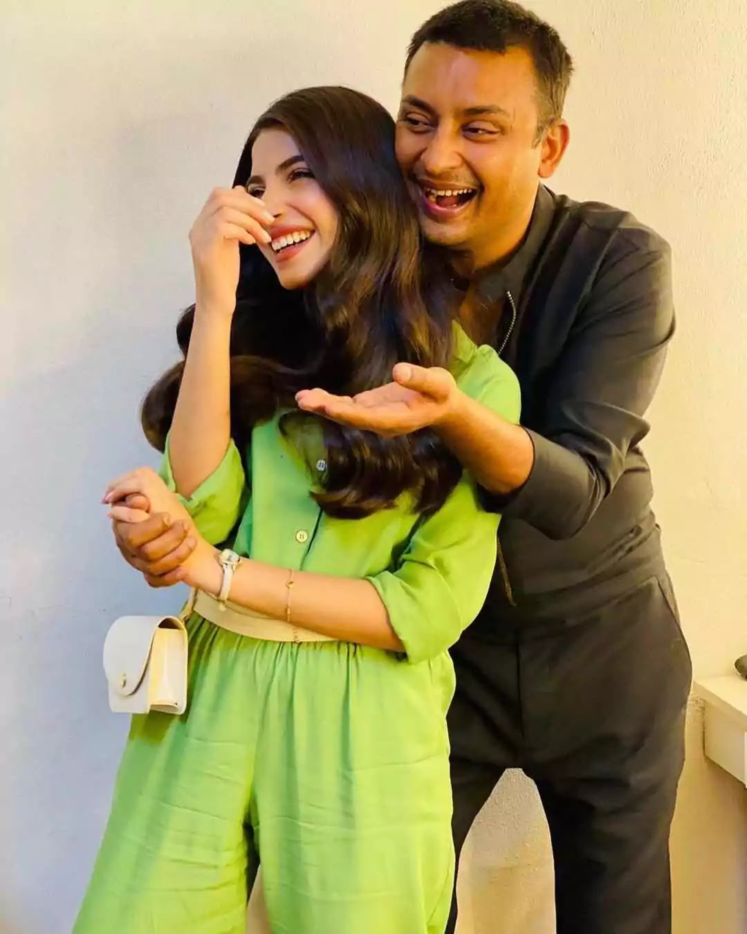 Kinza Hashmi Naughty And Friendly Pictures With Her Friend Babar Zaheer
